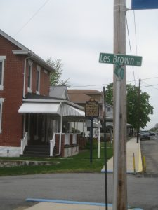 Les Brown Lane
